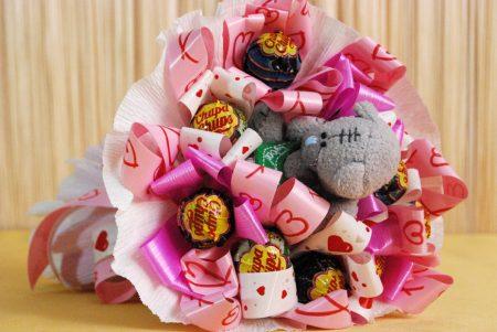 валентинка букет с конфетами