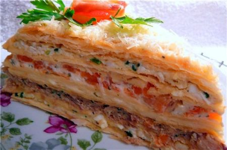 Слоеный закусочный торт «Наполеон»