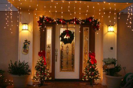 украшение дома под новый год
