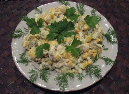 Рецепт салата с курицей и сыром
