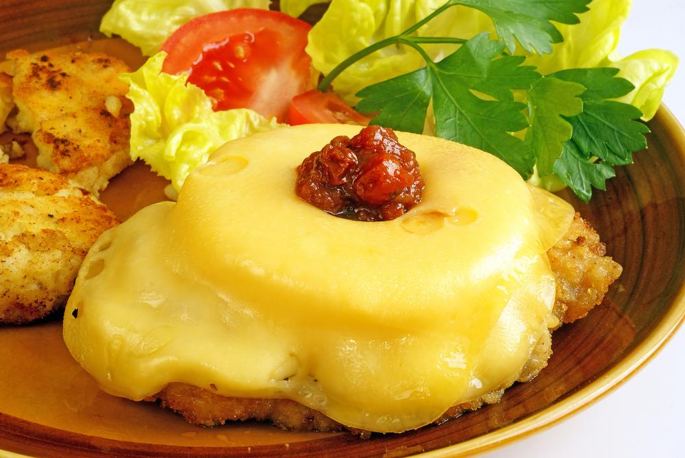 Мясо с ананасами и картофелем в духовке рецепт