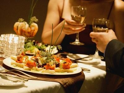 Миниатюра к статье Романтический ужин для любимого в домашних условиях