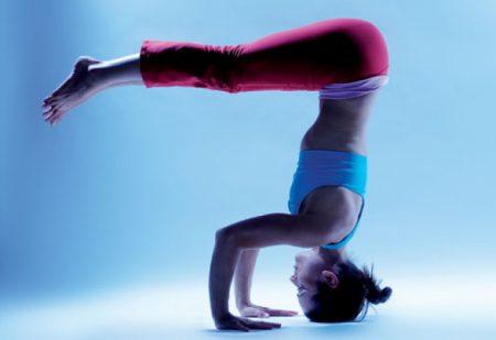 йога стойка на голове