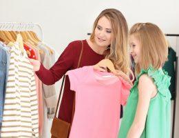 выбор детской одежды при покупке