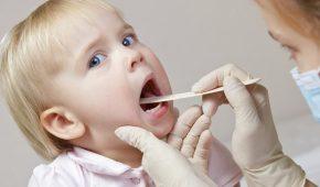 Миниатюра к статье Как лечить ангину у детей?