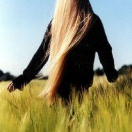 Миниатюра к статье Натуральные средства для роста волос