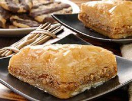 Пахлава с медом и орехами