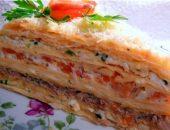 Миниатюра к статье Слоеный закусочный торт «Наполеон»