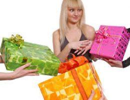 Что можно подарить дорогой подруге на день рождения?