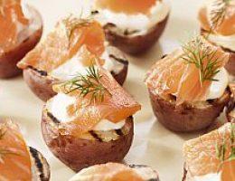 Картофель с лососем и укропом