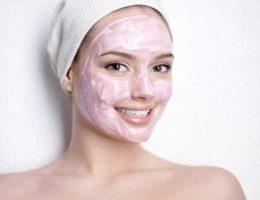 Миниатюра к статье Домашний косметолог: как бороться с угревой сыпью на лице