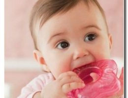 Прорезывание зубов у малышей